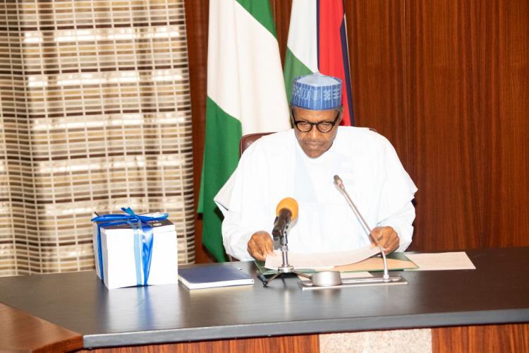 President Muhammadu Buhari during SARS Reform report submission