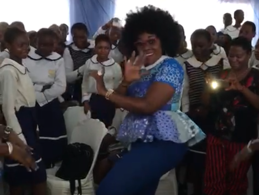 Late Eunice Egbobawaye dancing at St Maria Goretti Secondary School Benin 60th Anniversary
